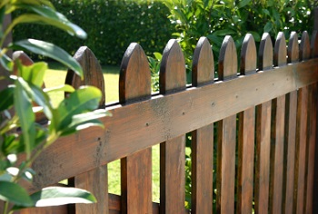 4 Benefits Of Investing In A Wooden Fence For Your Property